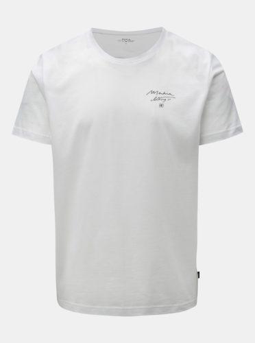 Bílé tričko s potiskem na zádech Makia Trout