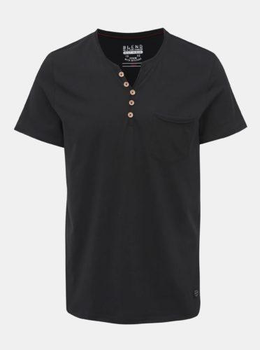 Černé tričko s kapsou Blend